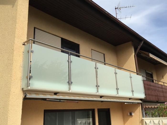 Metallbau Neb Heilbronn Balkon Gelaender Edelstahl Glas Milchglas