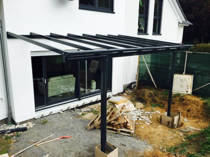 Metallbau Neb Terrassen Ueberdachung pulverbeschichtet anthrazit VSG mattweiss 10 mm 3
